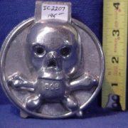 skull and crossbones ice cram mold pewter