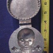 skull%20medallion%20int